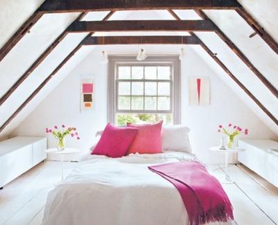 明るい屋根裏のベッドルーム_[0].jpg